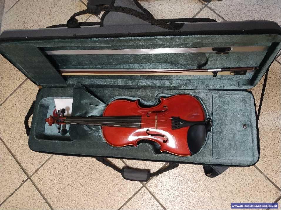 Podczas próby muzycznej ukradł skrzypce